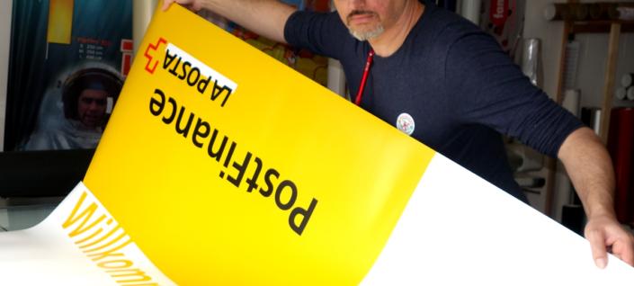 progra - Druckerei für RollUp und Displays in Oensingen