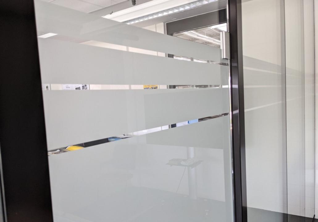 Sichtschutz-Folie auf Glas